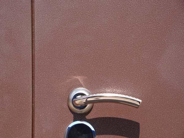 полимерное покрытие на металлические двери